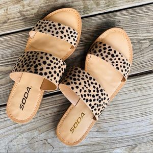 Women's dotted sandals